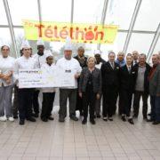 Remise du chèque de CEFAA pour le Téléthon en compagnie de Martine Valleton, Maire de Villepinte (93)