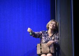 """Corinne touzet dans """"Voyage en ascenseur"""""""