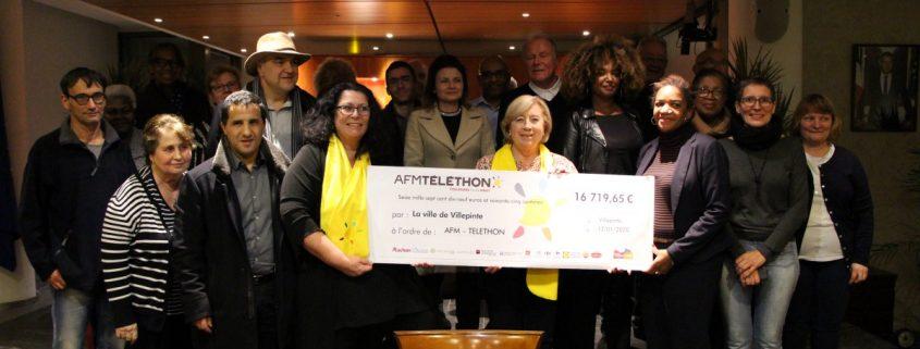 remise du chèque du Téléthon par MArtine Valleton , Maire de Villepinte, à l'association AFM Téléthon 93